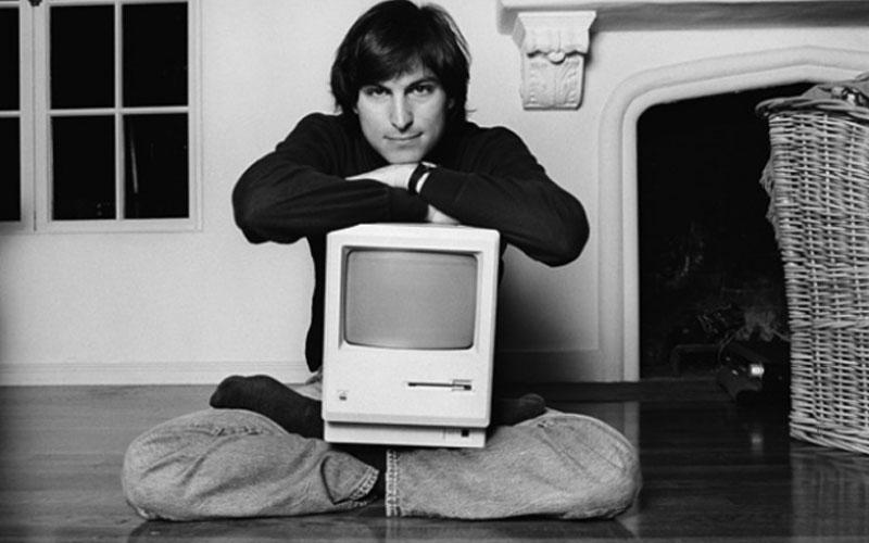 Lancio del Macintosh 128k